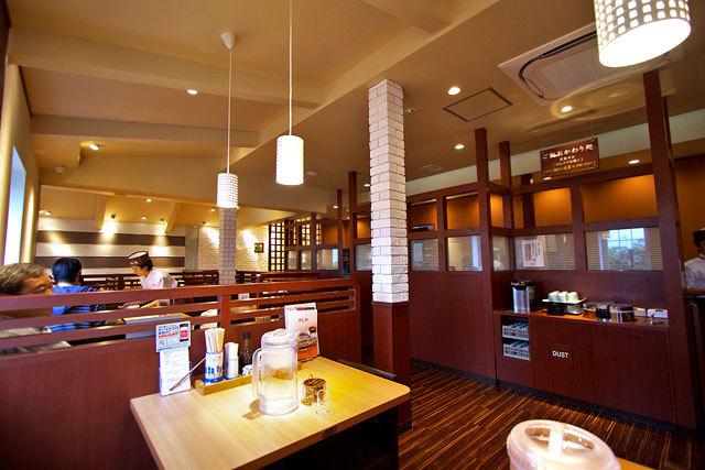 ごはん処 やよい軒 高松東バイパス店-店内.jpg