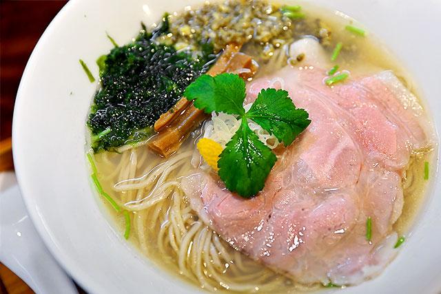 すずむし-煮干し塩らぁ麺2.jpg