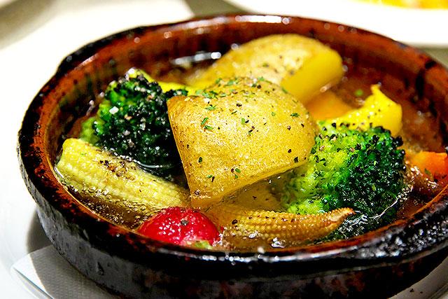 ニクバルダカラ-季節野菜のアヒージョ2.jpg