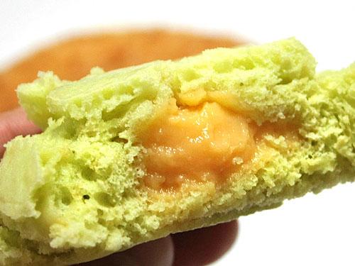 ロバパン-メロン蒸しパン.jpg