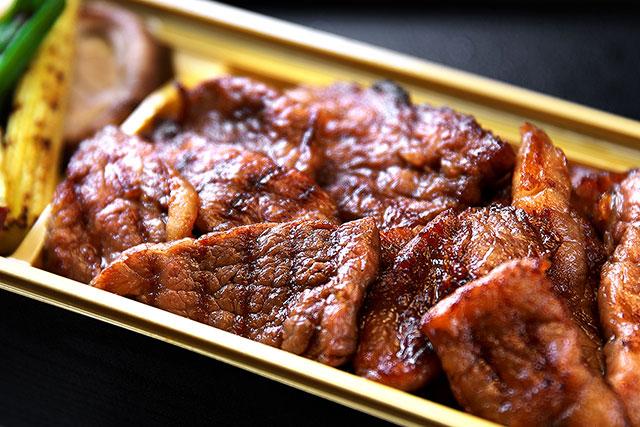 一牛-焼肉弁当アップ2.jpg