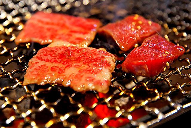 一牛家_オリーブ牛食べ比べ焼き2.jpg