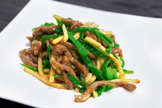 彩宴-牛肉とピーマンの細切り炒め2.jpg