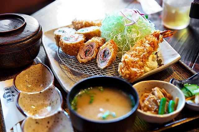 本気豚食-デラックス定食2.jpg
