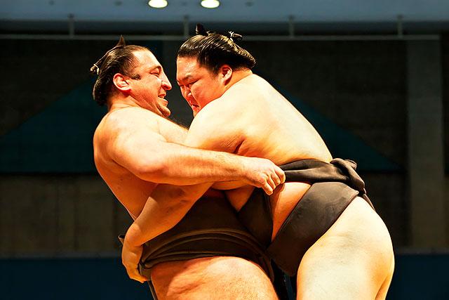栃ノ心対豪栄道-2.jpg