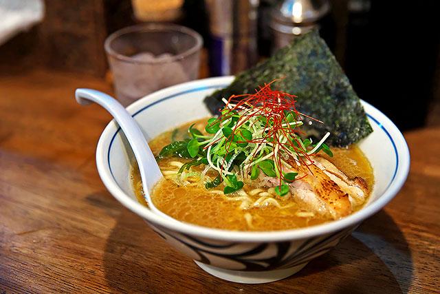 欽山製麺所-鶏そば2.jpg